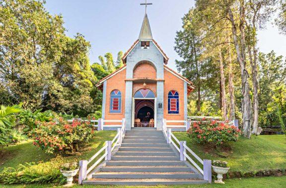 Capela – Mirágua Refúgios